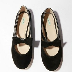 Kimchi blue suede flats with a bow 8